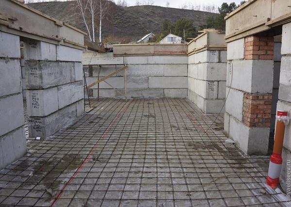 фундамент из фундаментных блоков с подушкой цена